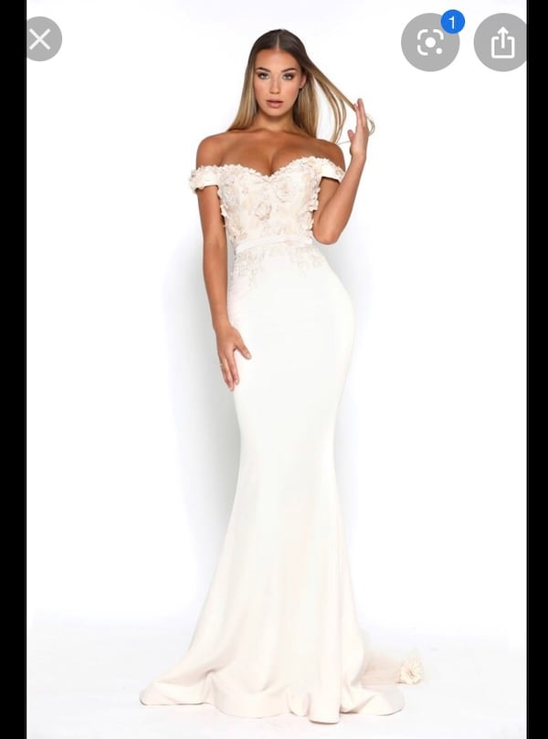 Portia and Scarlett cream/ivory evening gown aa161325-aacf-43a4-88dc-384d398c34ae