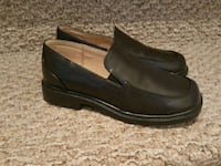 Boys dress shoes. Pickering, L1Z