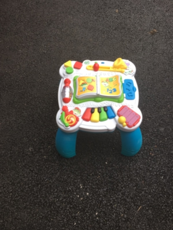 baby's multicolored activity table