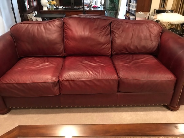 La-z-boy America Home Collection Burgundy Leather Sofa