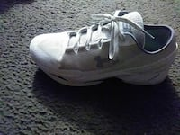 pair of white-and-gray Nike sneakers Victorville, 92392