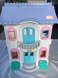 Fisher price foldable dollhouse and accessories 293 mi