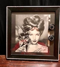 Marilyn Monroe photo with black wooden frame Barrie, L4N 5G8