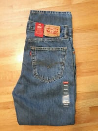*NEW* LEVI'S 516 JEANS - NEVER WORN  Coquitlam, V3J