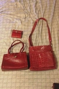 two red leather shoulder bags Carlisle, 17013