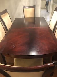 Dinning table only with extention for 8 people Toronto, M2N 4P3
