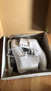 Ladies ice skates. Size 10 Brand new   Baltimore, 21222