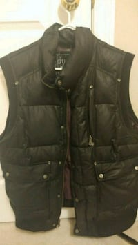 GUESS Sleeveless Puffer Vest in Black Vaughan, L4L 8N4
