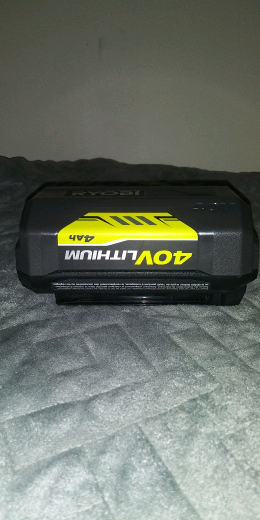 Photo Ryobi 40v 4ah replacement battery for all there outdoor stuff
