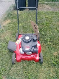 red and black push mower Ecorse