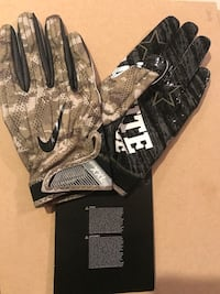 Nike Salute to Serbice receiving gloves size XXL