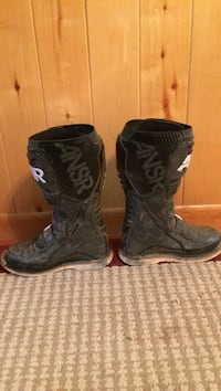 Black ANSR motocross boots great condition just a little dirty  Ignacio, 81137