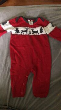 Christmas Knit jumper  size 6-9 months Waterford, 06385