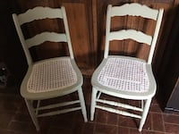 Two light and airy chairs to go, come get me before I'm gone. The seats are ALL WHITE, ITS THE ANGLE AND LIGHT!! Smithsburg, 21783