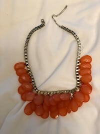 Beautiful beaded Necklace - CLOSET CLEANOUT EVERYTHING MUST GO MINT CONDITION Bradford, L3Z 3B4