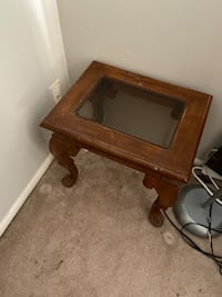 End table Virginia Beach, 23462
