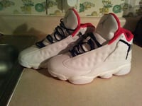 pair of white Air Jordan size 7 Sumter, 29154