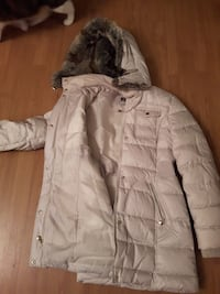 Beautiful white long jacket with fur