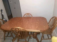 Should wood kitchen table comes with 6 chairs and 2 leafs.....  Oklahoma City, 73135