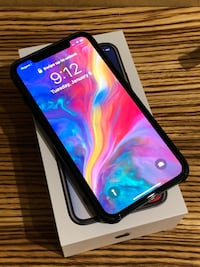 iPhone X 256gb with AppleCare and case   Dorval, H9S