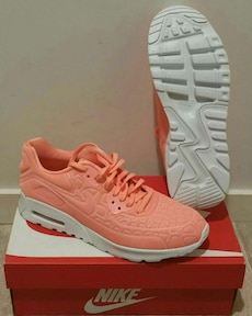 """Baskets """"Nike"""" air max 90 ultra pluch pointure 39"""