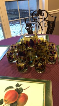stain glass   picther and glasses 218 mi