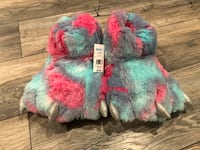 Fuzzy monster slippers size L 9/10 15 mi