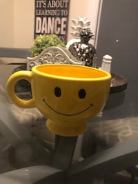 New happy face large mug Courtice, L1E 0H5
