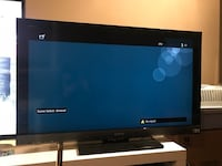 """40 """" SONY BRAVIA® EX Series LCD Television Model # KDL-40EX400. With remote. Everything works fine. Pick up only McCowan/MajorMackenzie  Markham, L6E 1P9"""