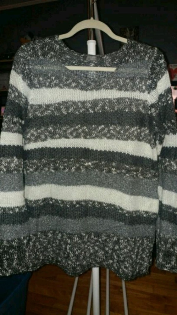 New grey and white stripe stretchy sweater