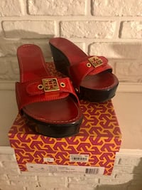 Tory Burch Brand New Red/Navy Blue wedge size 7.5 Philadelphia, 19151