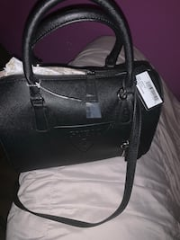 Guess hand bag for sale  Sterling, 20164