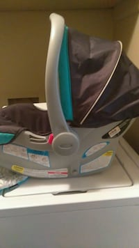 Graco infant click connect carseat & base Florence, 35630