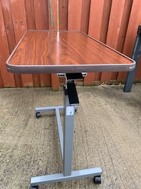 Adjustable table Mississauga, L5B 4H9