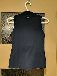 Blue Lululemon sports top size extra small/small Calgary, T2E 0B4