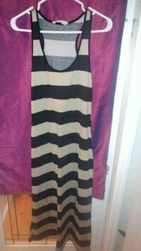 Womans size L long dresses Kamloops, V2C 3A5