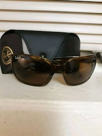 black framed Ray-Ban sunglasses with case Baltimore, 21239