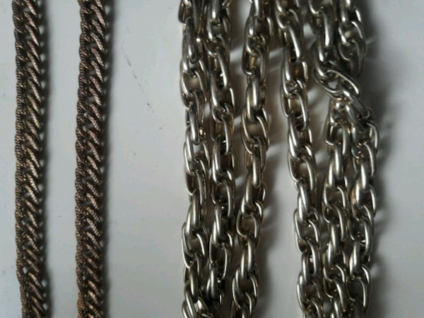 2 goldtone chain necklaces 9b39c283-311f-4979-9828-c135a5400e08