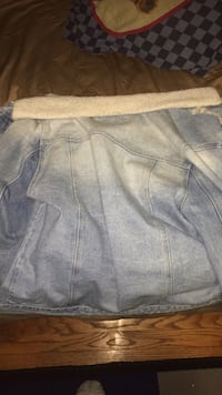 large jean jacket with fur and rips Cheverly, 20785
