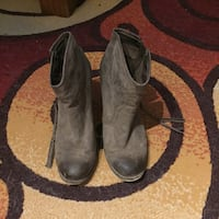 Pair of gray suede heeled booties - size 10 Rowlett, 75089