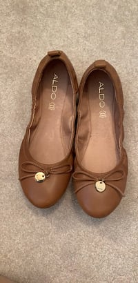 ALDO Size 8.5 brown flats (New) Vancouver, V5Y