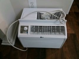 AC unit PICK UP ONLY !!