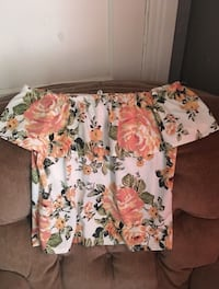 white and pink floral off-shoulder blouse Grand Prairie, 75051