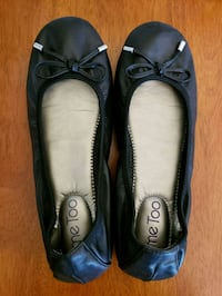 Womens black leather flats with bow detail, 7.5 Warrenton