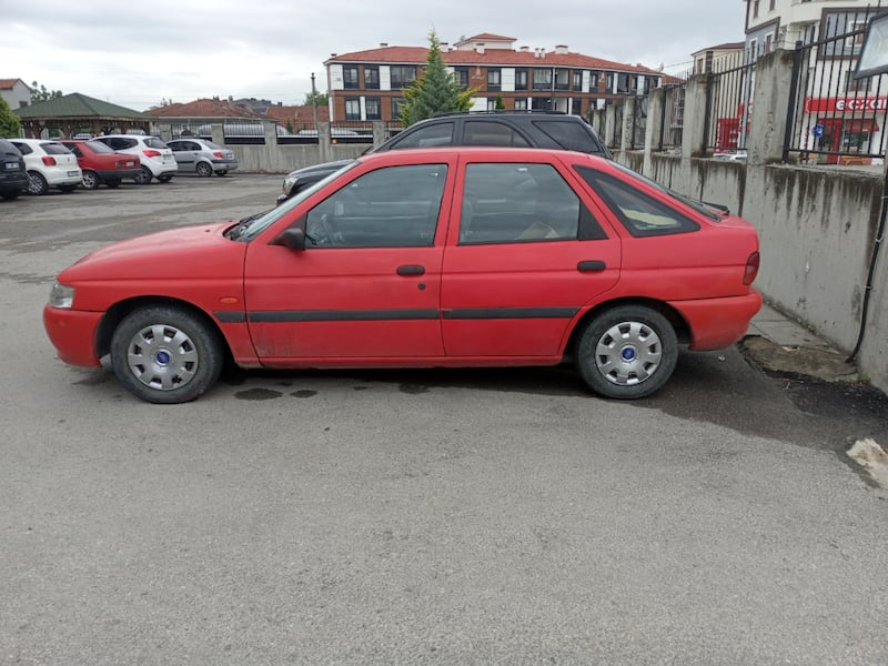 1997 Ford Escort 1.6 CL 5