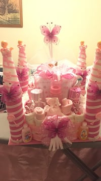 baby's white and pink gift set Tampa, 33612