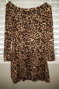 Off shoulder leopard print long-sleeved shirt Brampton, L6S