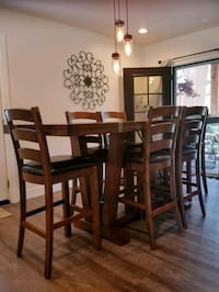 Solid Wood Dining Room Table with Chairs  Oklahoma City, 73118