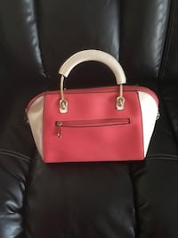 red and white leather tote bag Miami, 33155