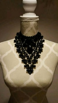 Black lace and bead necklace Toronto, M1K 4W2